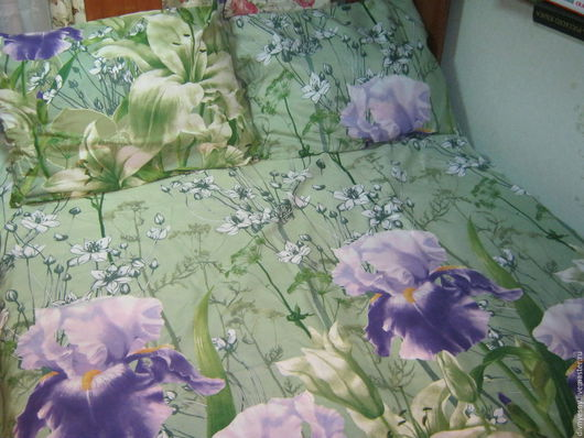"""Текстиль, ковры ручной работы. Ярмарка Мастеров - ручная работа. Купить Постельное бельё """"Ирисы"""". Handmade. Зеленый, постельное белье"""