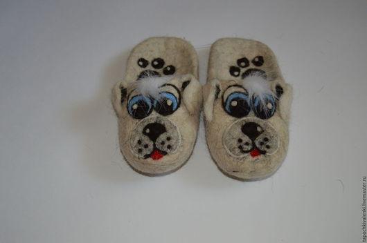 Детские валяные тапочки `Собачки`