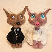 Мягкие игрушки ручной работы. Ярмарка Мастеров - ручная работа Вязаные коты Жених и Невеста. Handmade.