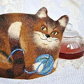Для дома и интерьера ручной работы. Ярмарка Мастеров - ручная работа Кошка с клубочком. Войлочная грелка для чайника.. Handmade.
