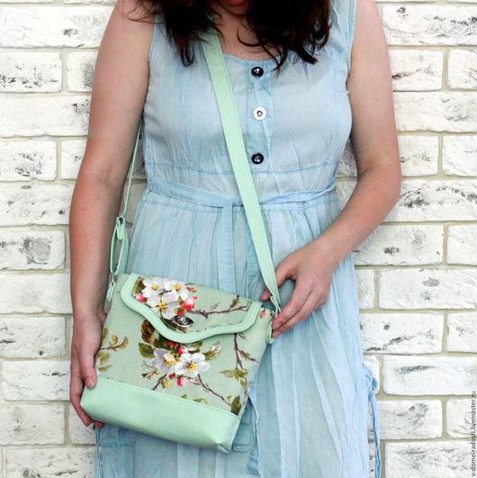 Купить женскую сумочку, маленькая сумочка на плечо, сумочка на лето, мятная сумочка, красивая маленькая сумочка, сумочка своими руками. Мастер Сечкина Юлия http://www.livemaster.ru/v-dome-radosti
