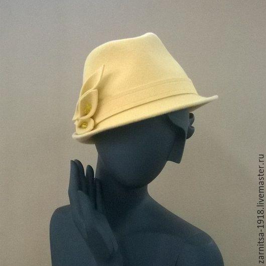 Шапки ручной работы. Ярмарка Мастеров - ручная работа. Купить Фетровая-велюровая шляпка Алекс. Handmade. Желтый, шляпки, велюр