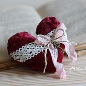 Подарки к праздникам ручной работы. Ярмарка Мастеров - ручная работа Плюшевое сердце. Handmade.