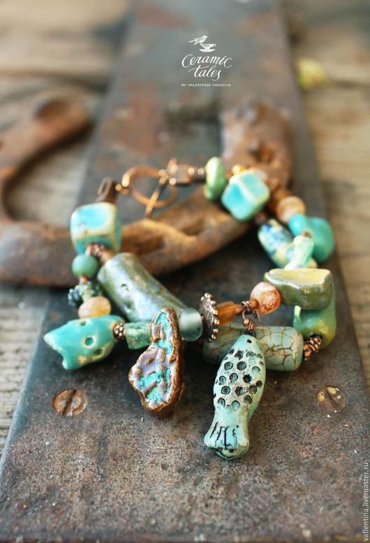 Браслеты ручной работы. Ярмарка Мастеров - ручная работа. Купить Бохо-браслет с рыбкой - керамика ручной работы с золотом, стекло. Handmade.