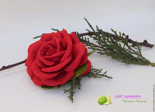 Заколки ручной работы. Ярмарка Мастеров - ручная работа. Купить Резинка для волос с красной розой. Handmade. Ярко-красный