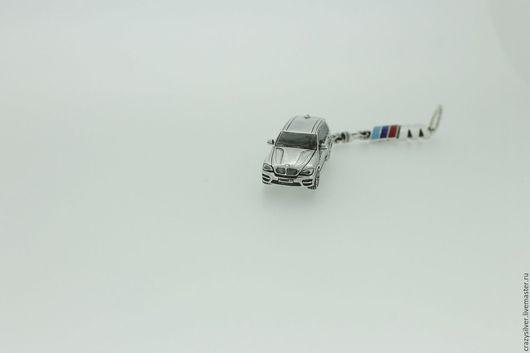 BMW X5M.   CRAZY SILVER ™  Брелок ручной работы из серебра 925, максимальная детализация, масштабная копия легендарного внедорожника  BMW X5M.