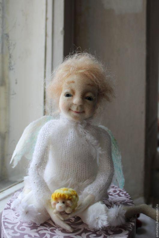 """Сказочные персонажи ручной работы. Ярмарка Мастеров - ручная работа. Купить авторская кукла"""" Ангел с солнечным барашком"""". Handmade. Белый"""