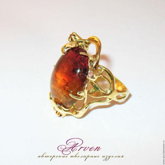 Золотое кольцо с натуральным турмалином.