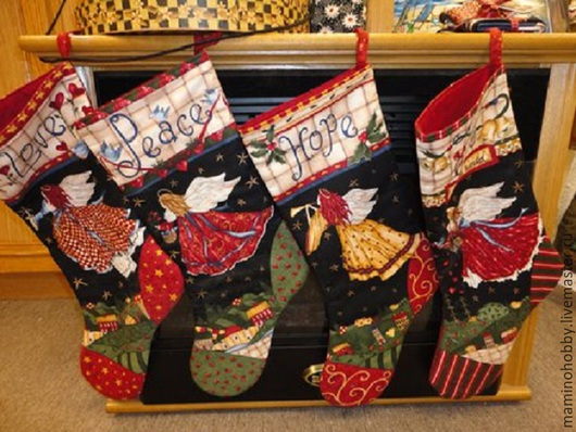 Новогодняя ткань для пэчворка 4 Сапожка Новогодние сапожки для подарков