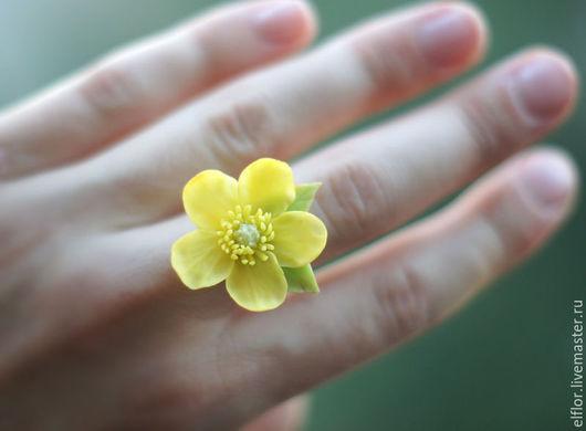 """Кольца ручной работы. Ярмарка Мастеров - ручная работа. Купить Кольцо  """"лютик"""". Handmade. Цветы из полимерной глины, лютики из глины"""