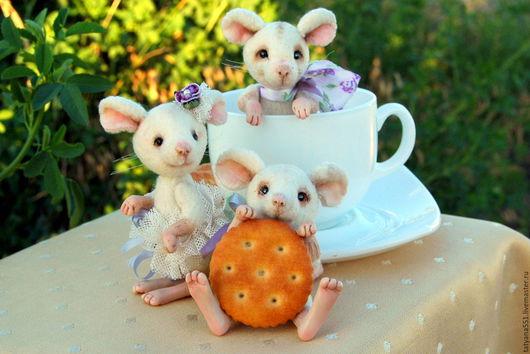 Игрушки животные, ручной работы. Ярмарка Мастеров - ручная работа. Купить Мышата. Handmade. Белый, подарок, шёлковые ленты