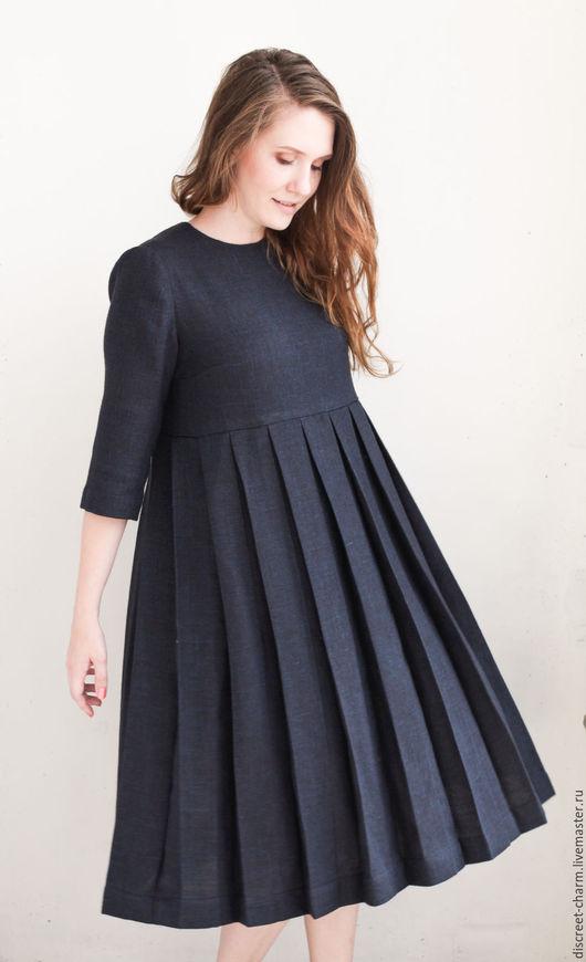 Платья ручной работы. Ярмарка Мастеров - ручная работа. Купить Тёмно-синее платье с юбкой в складку, длинный рукав, свободный силуэт. Handmade.