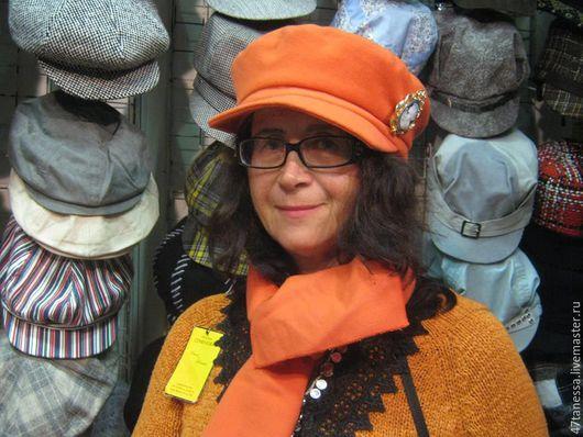 Кепки ручной работы. Ярмарка Мастеров - ручная работа. Купить авторский комплект  кепка- капитанка с шарфом. Handmade. Оранжевый, однотонный