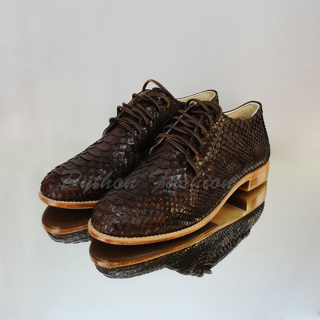 Oxfords Python skin handmade. Women's fashionable oxfords from Python. Women's shoes Python skin custom. Women's demi lace up shoes Python leather. Designer shoes from Python.