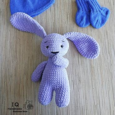 Куклы и игрушки ручной работы. Ярмарка Мастеров - ручная работа Вязаный плюшевый Зайка. Handmade.