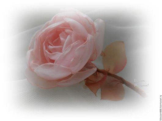 """Броши ручной работы. Ярмарка Мастеров - ручная работа. Купить Брошь """"Романтика"""". Handmade. Бледно-розовый, брошь из ткани"""