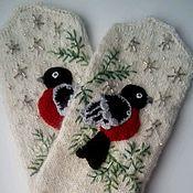 Аксессуары handmade. Livemaster - original item Mittens feather bullfinches frosty morning. Handmade.