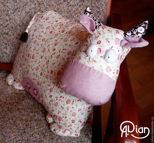 """Текстиль, ковры ручной работы. Ярмарка Мастеров - ручная работа. Купить Подушка-игрушка """"Коровка"""". Handmade. Бледно-розовый"""