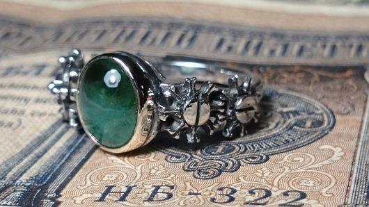 Кольца ручной работы. Ярмарка Мастеров - ручная работа. Купить Авторское кольцо с природным изумрудом в золоте.. Handmade. Механика, комбинированный