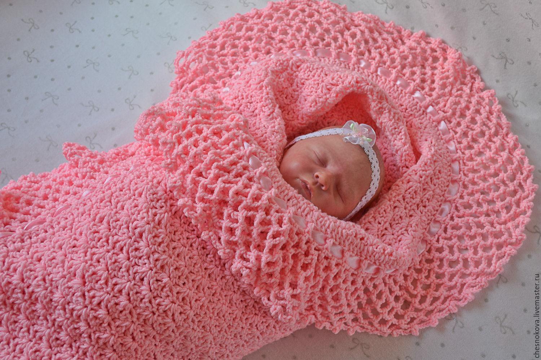 Вязаное одеяльце для младенца