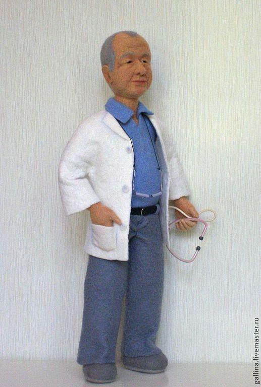 """Портретные куклы ручной работы. Ярмарка Мастеров - ручная работа. Купить Интерьерная кукла """"Семейный доктор"""". Handmade. Белый"""