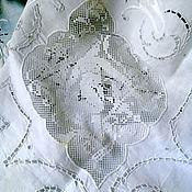 Большая итальянская скатерть ручной работы.
