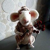 Мягкие игрушки ручной работы. Ярмарка Мастеров - ручная работа Игрушки: Крыс Мартин с веткой рябины. Handmade.