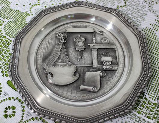 Винтажные предметы интерьера. Ярмарка Мастеров - ручная работа. Купить Оловянная десятигранная настенная тарелочка, Германия. Handmade. Серый, на память