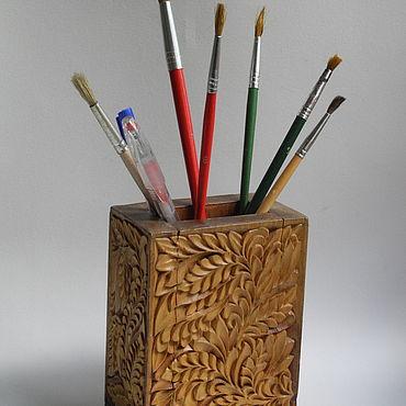 Канцелярские товары ручной работы. Ярмарка Мастеров - ручная работа Резная карандашница из дерева. Handmade.