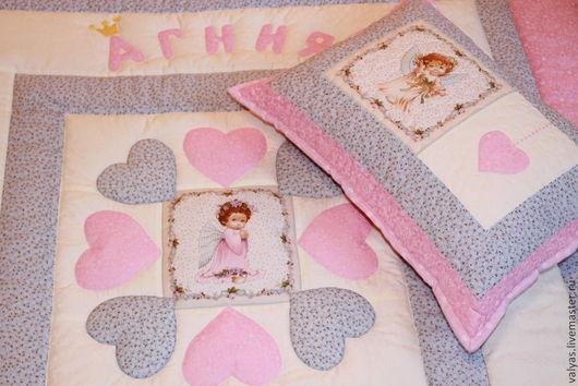 Пледы и одеяла ручной работы. Ярмарка Мастеров - ручная работа. Купить Именной комплект в кроватку для маленькой принцессы. Handmade. кремовый
