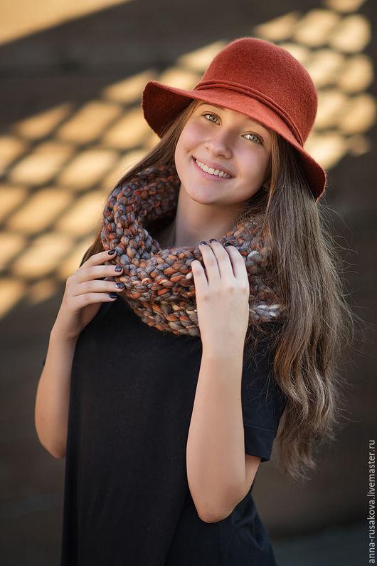 """Комплекты аксессуаров ручной работы. Ярмарка Мастеров - ручная работа. Купить Комплект """"Осень в городе"""" Шляпка и шарф-снуд. Handmade."""