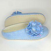 Обувь ручной работы handmade. Livemaster - original item Blue Slippers with a flower. Handmade.