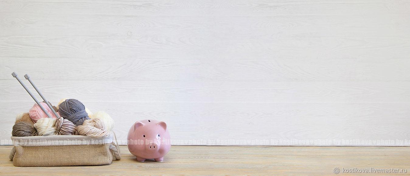 Длинный фон с изображением пряжи для вязания и свиньи копилки, Фотографии, Хабаровск,  Фото №1