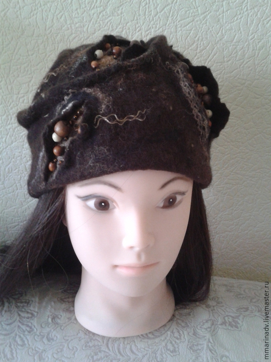 Валяная шапка `Сюрприз природы` , шерсть 100%. Авторская работа Марины Маховской. Головные уборы ручной работы.
