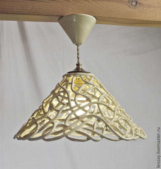 Светильник керамический для низких потолков. Плетеная керамика Елены Зайченко
