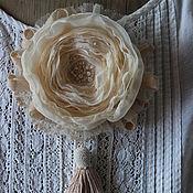 """Украшения ручной работы. Ярмарка Мастеров - ручная работа Брошь цветок """"Ванильные облака"""" Роза из ткани. Handmade."""