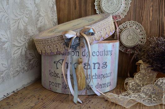 Большая и вместительная шляпная коробка с налетом времени и воспоминаний, для хранения рукоделия, писем, фотографий, различных дамских мелочей и секретов, милых, и дорогих сердцу, вещиц...