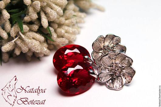 Серьги шикарные с крупными большими ювелирными камнями красными топазами на элитной родированой фурнитуре цветок. Подарок маме подруге женщине коллеге купить