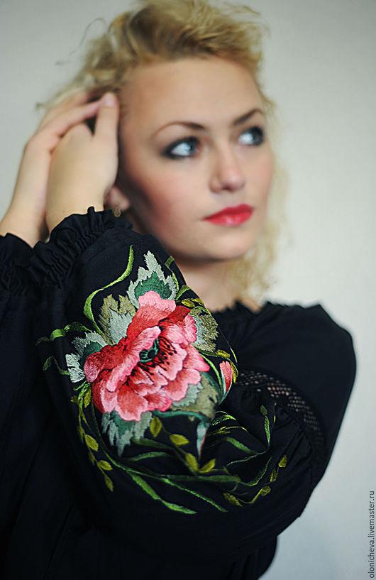 Блузки ручной работы. Вышитая черная блуза, женская вышиванка