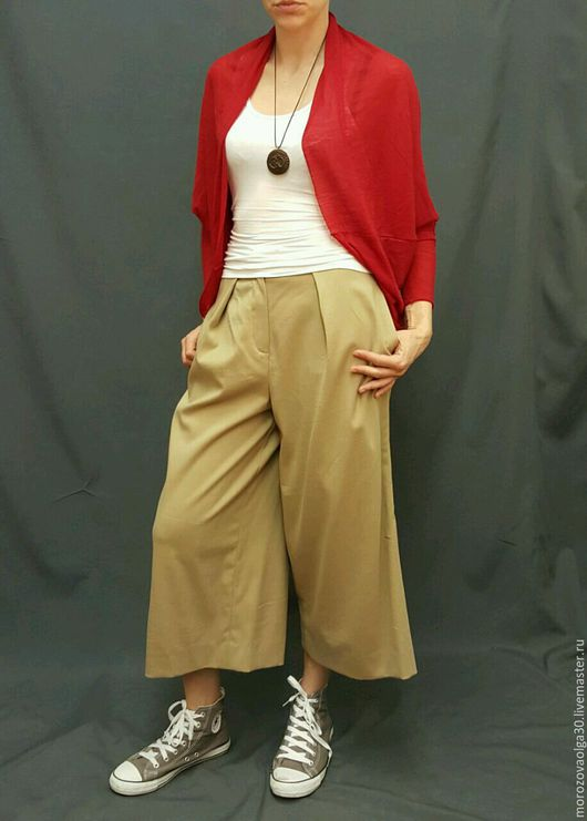 Трикотажный кардиган-шарф-трансформер в стиле бохо, который можно носить в нескольких вариантах - как  кардиган необычной формы, как широкий и объемный шарф, как юбку-повязку на бедра. Сошью на заказ,