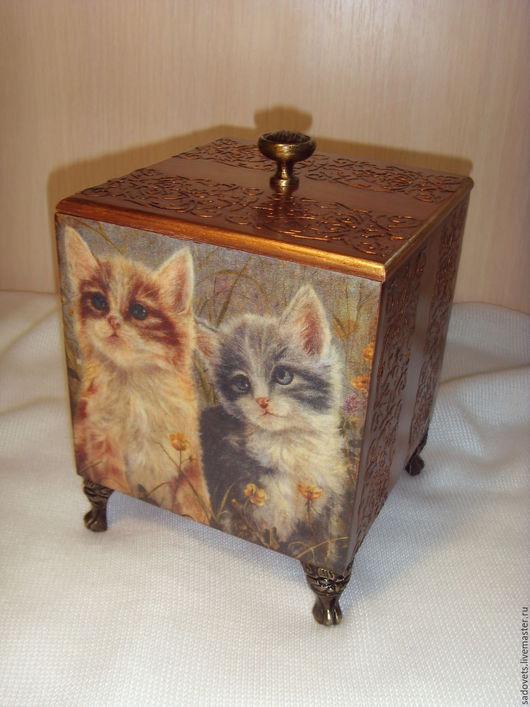 Аксессуары для кошек, ручной работы. Ярмарка Мастеров - ручная работа. Купить Короб  деревянный декупаж коричневый цвет Нежный кошачий народ. Handmade.