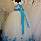 Свадебный салон ручной работы. Ярмарка Мастеров - ручная работа Cвадебное платье с цветной отделкой+ фата. Handmade.