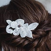 Свадебный салон handmade. Livemaster - original item Wedding hair decoration, comb in the bride`s hairstyle, white. Handmade.