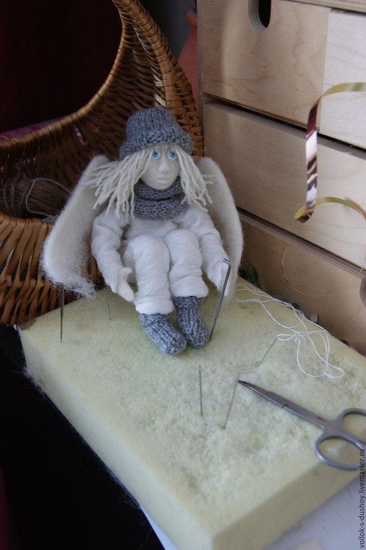 """Сказочные персонажи ручной работы. Ярмарка Мастеров - ручная работа. Купить Войлочная игрушка """"Зимний Ангел"""". Handmade. Белый, войлок"""