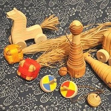 Куклы и игрушки ручной работы. Ярмарка Мастеров - ручная работа Подарочный набор для парной игры (бильбоке, кометы, кубари, коник. Handmade.