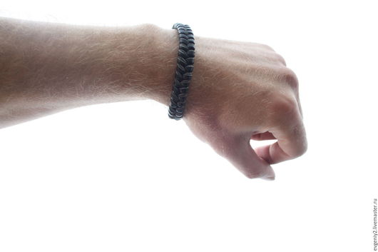 Браслеты ручной работы. Ярмарка Мастеров - ручная работа. Купить Кожаный браслет с секирой. Handmade. Черный, мужской браслет, браслеты