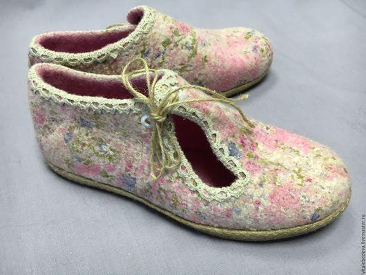 """Обувь ручной работы. Ярмарка Мастеров - ручная работа. Купить Валяные туфельки для улицы или помещений """"Летний день"""". Handmade."""