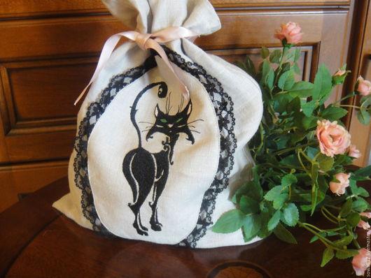 """Текстиль, ковры ручной работы. Ярмарка Мастеров - ручная работа. Купить """"Черная кошка"""" - мешочек для хранения с вышивкой. Handmade. Серый"""