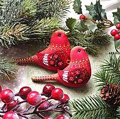 Подарки к праздникам ручной работы. Ярмарка Мастеров - ручная работа Игрушки на елку. Птицы в зимнем саду. Пара красных птичек на елку.. Handmade.