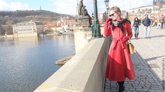 """Верхняя одежда ручной работы. Ярмарка Мастеров - ручная работа. Купить Пальто """"Signorina"""", зима. Handmade. Ярко-красный"""